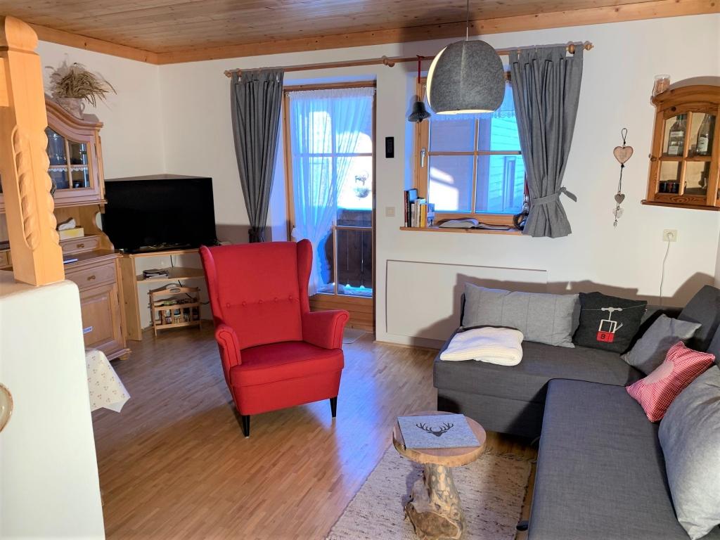 Wohnzimmer mit Ohrensessel